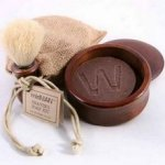 Natural shaving kit